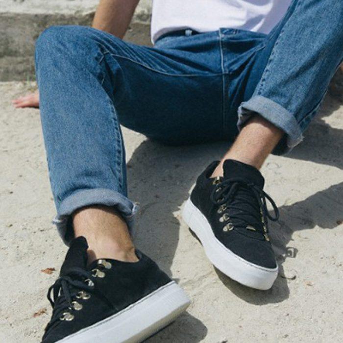 black-shoes-blue-jeans